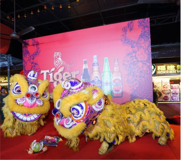 "4.Lion dance performance to mark the commencement of Tiger Beer's ""Abundance of Prosperity"" consumer event at Kepong Food Court."