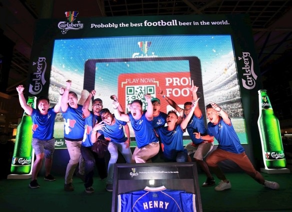 "ootball fans cheered their way to Finale at Carlsberg's ""Probably The Best Football Parties"" enjoying a football beer experience that was unforgettable among other football fans and beer lovers."
