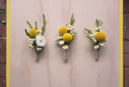 Billy button boutonnieres