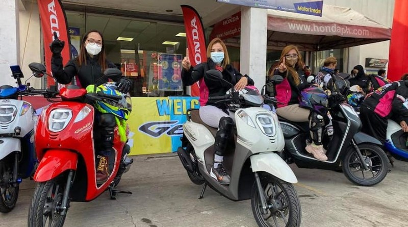 Lady riders making a difference for a sexier look with Honda Genio   Good Guy Gadgets