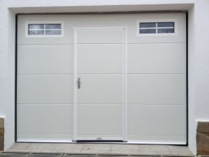 puerta garaje con puerta peatonal 2