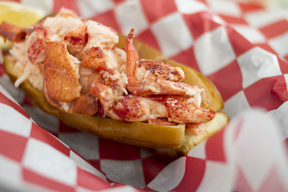 Lobster Roll Maine - How to Make Maine Lobster Roll Recipe
