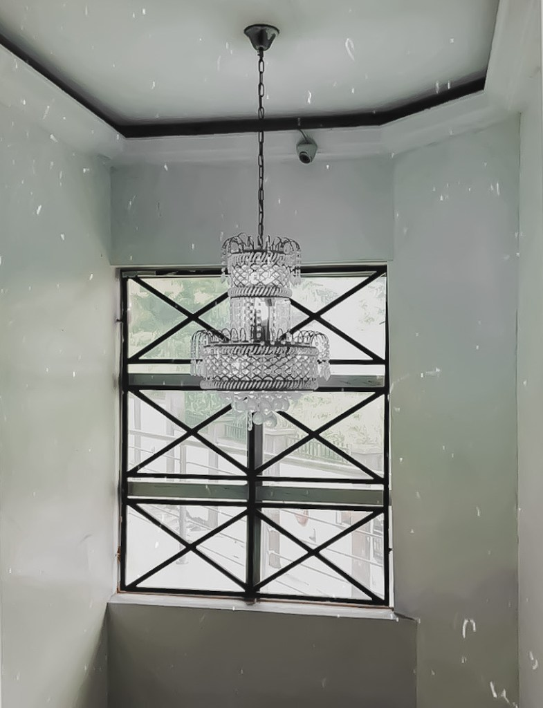Picture of chandelier at Jerry Marriott Hotel Nsukka