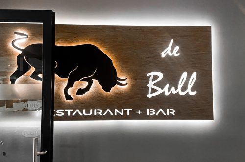 De bull restaurant and bar