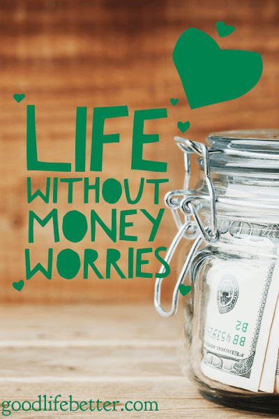 A life without money worries doesn't have to be something that exists only in an alternate universe. I am making one right now by paying off my debt!