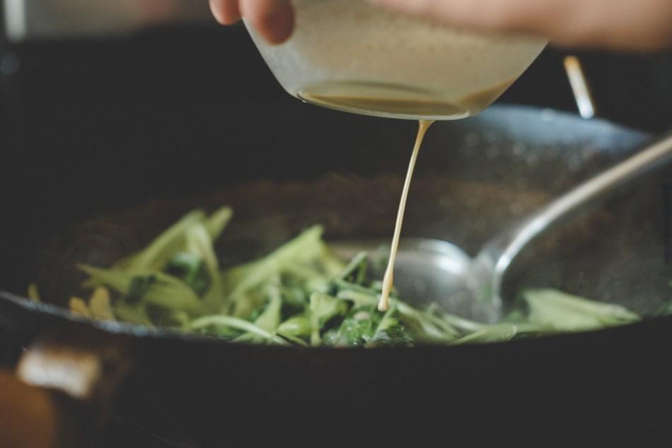 Fermented bean curd pour