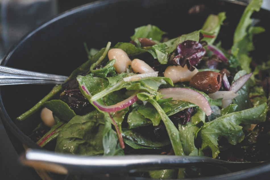 Mixed Green Salad With White Beans And Olives