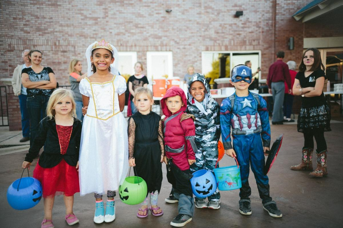15 Halloween Safety Tips You Need to Know Before You Take Your Kids Trick or Treating