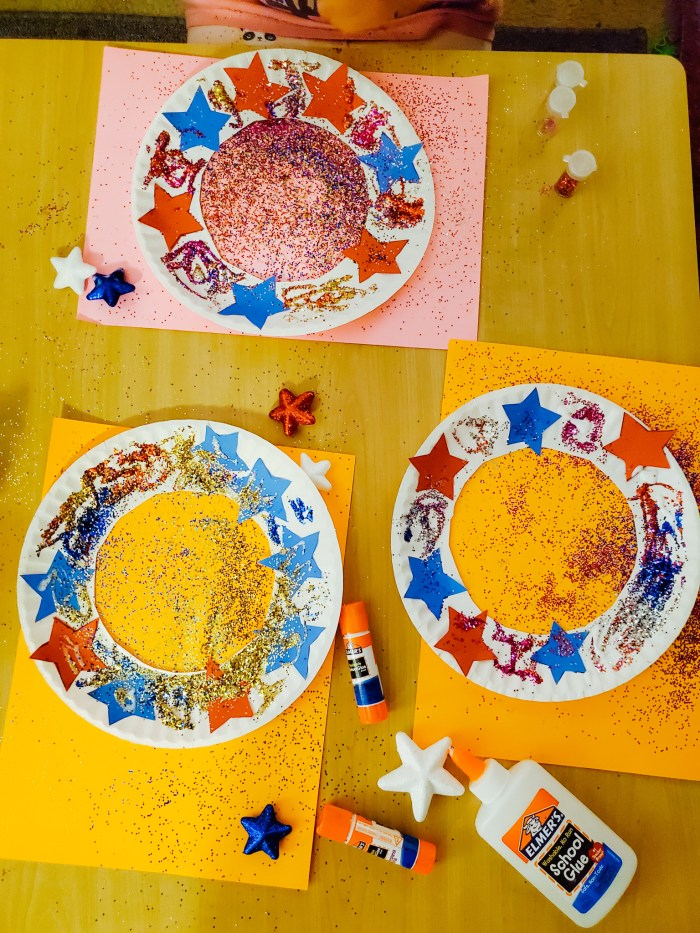 Kids 4th of July Craft Idea: Patriotic Paper Plate Wreaths