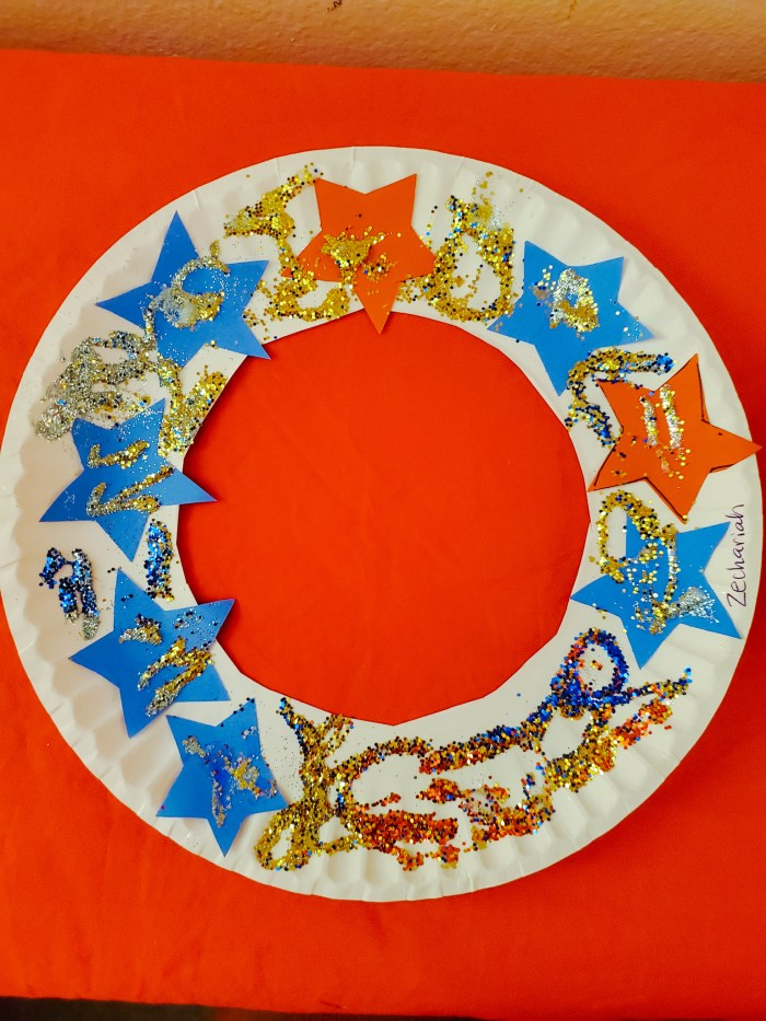 Kids' 4th of July Craft: Patriotic Paper Plate Wreath