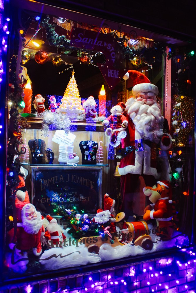 Downtown Rochester, Michigan Christmas Santa Claus Display