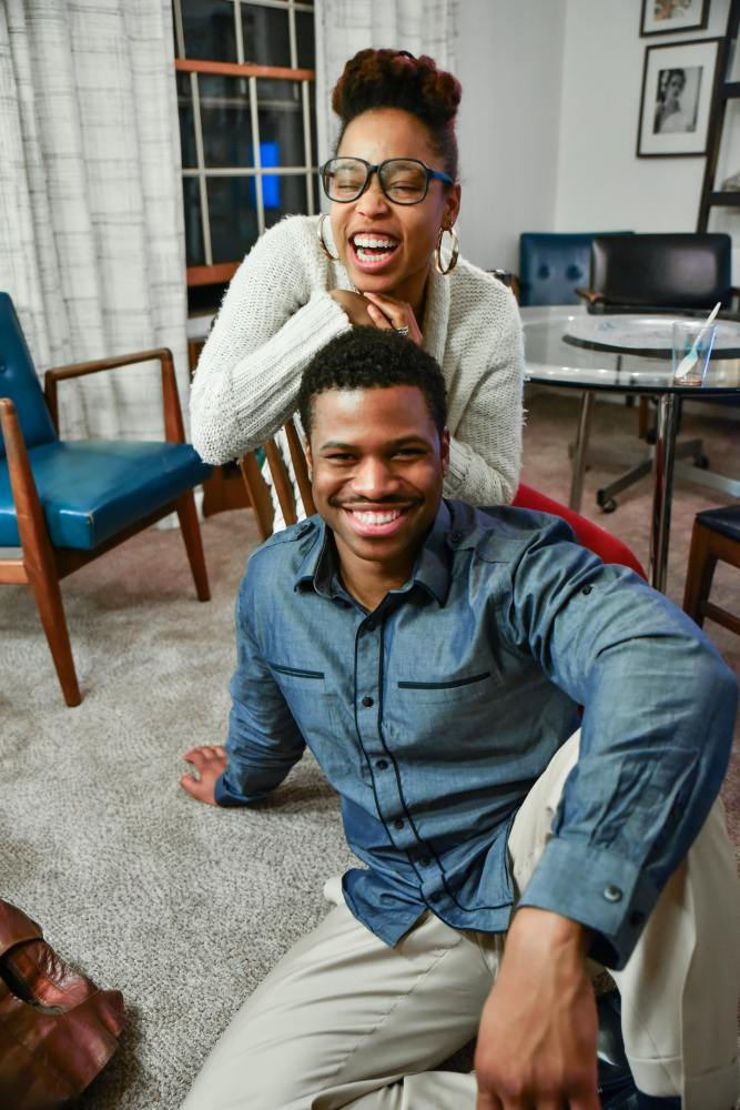 Five Tips for Dating in Your 30s and Beyond (Image of a young Black couple in their home.)