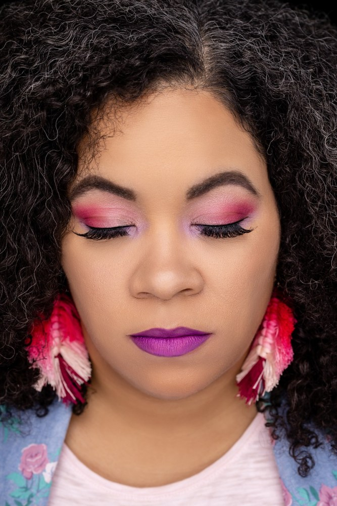 Tiffany's summer makeup ideas are perfect for learning how to create bold makeup looks you will love!