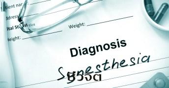 synaesthesia, ซินเนสทีเซีย, อาการ synaesthesia, เห็นตัวอักษรเป็นสี