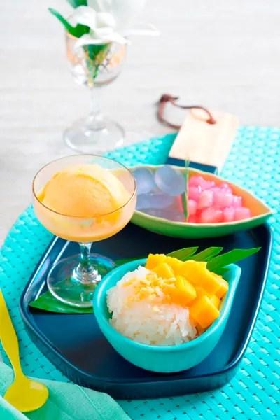 ข้าวแช่ชาววัง-แตงโมปลาแห้ง-มะยงชิด-สละลอยแก้ว-ไอศกรีมกะทิ