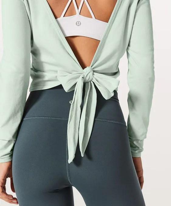 เปลี่ยนฟิตเนสให้เป็นรันเวย์ ด้วย ชุด Activewear สุดปังสำหรับสาวสปอร์ต