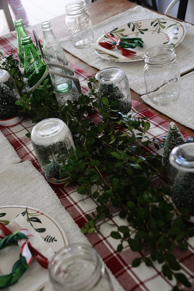 Christmas party table settings (4)