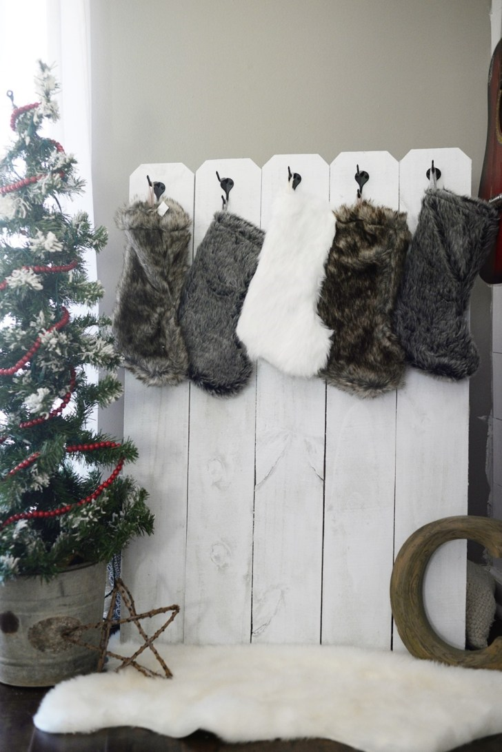 DIY Stocking Holder (8)