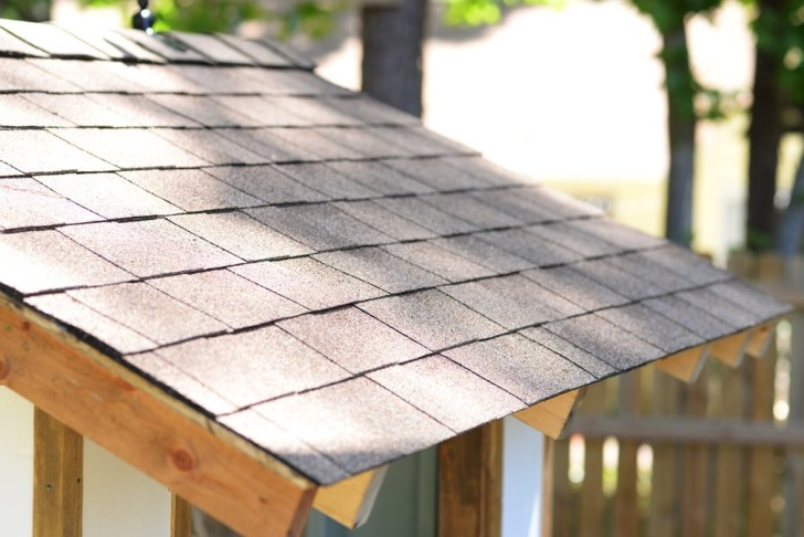 Roof with no drip edge