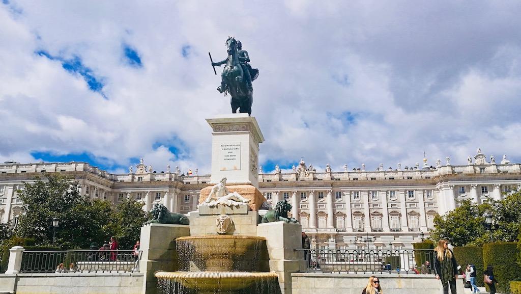 visiter madrid activite releve garde palais royal
