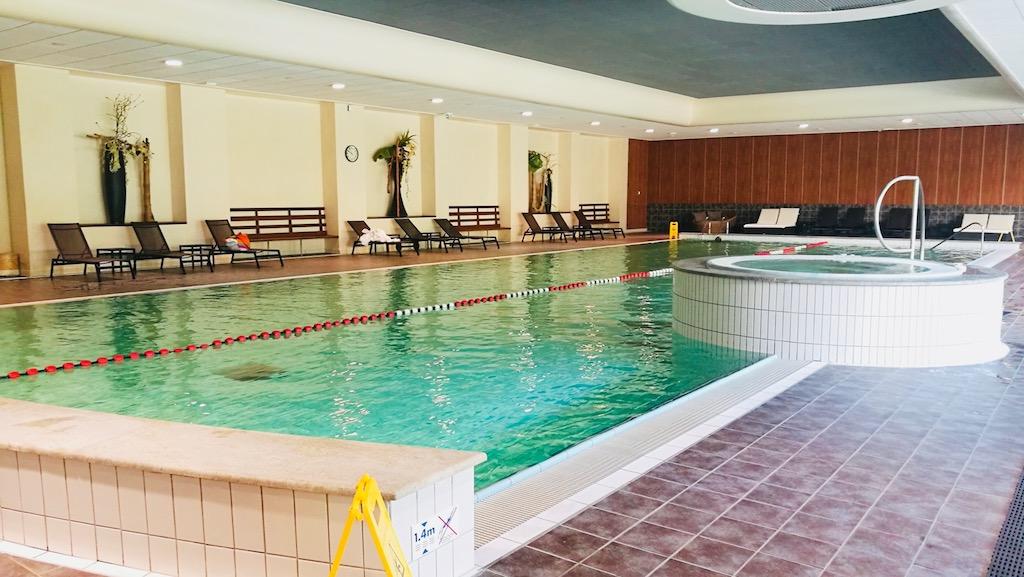 avis lyon plage hotel lyon metropole brasserie piscine interieur