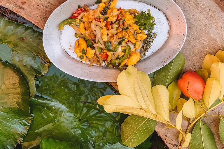 Caraïbische keuken ackee en zoute vissen Jamaïca