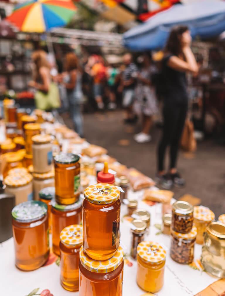 Szimpla Kert Farmers Market lokale producten