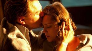 《全面啟動》劇照:柯柏最後吻別茉兒