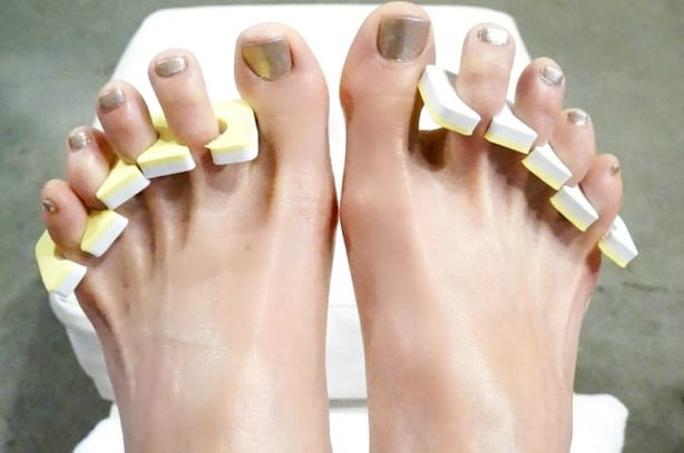 toes-1-of-1