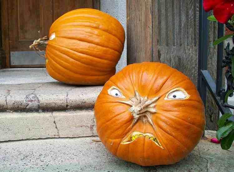 pumpkin carving how-to, pumpkins on a porch