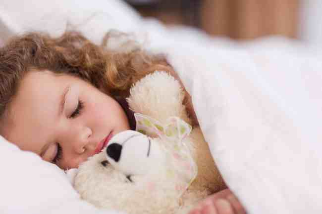 toddler security blanket, security blanket, baby security blankets, why children treasure their blankets