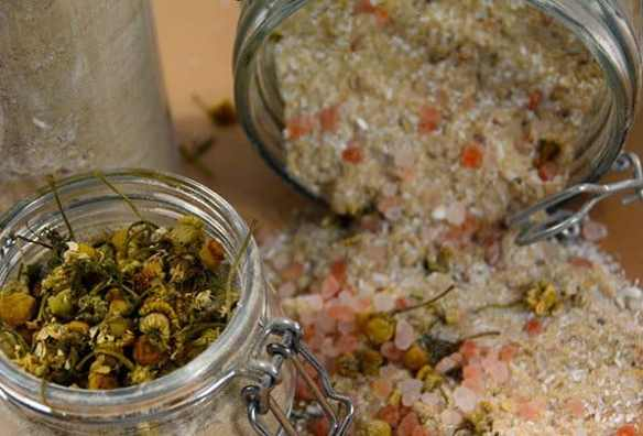 DIY bath salts, Good Parenting Brighter Children, bath salts, how to make bath salts, diy, essential oils, bath salt, how to make homemade bath salts, lavender, bath, Epsom salt, homemade rose