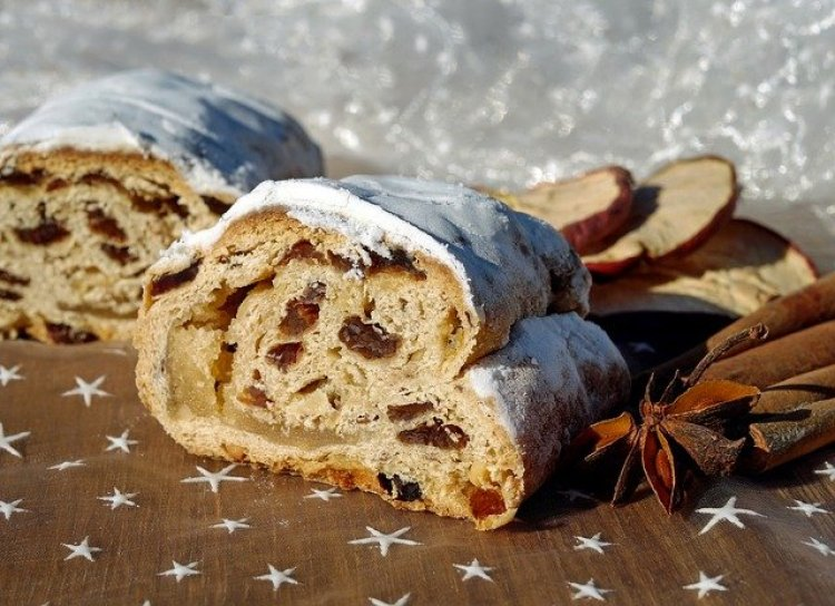 Christmas traditions, Christmas stollen