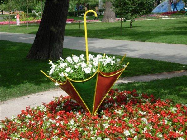 colorful backyard decorating ideas