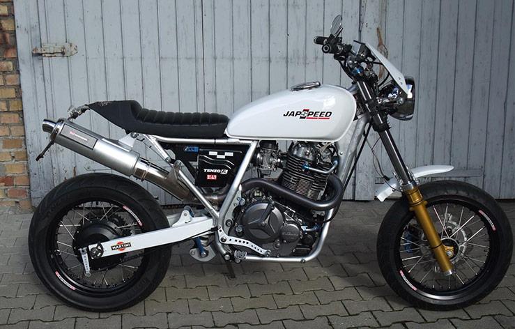 Suzuki Dr 800 : custom suzuki dr 800 big good spark garage ~ Melissatoandfro.com Idées de Décoration