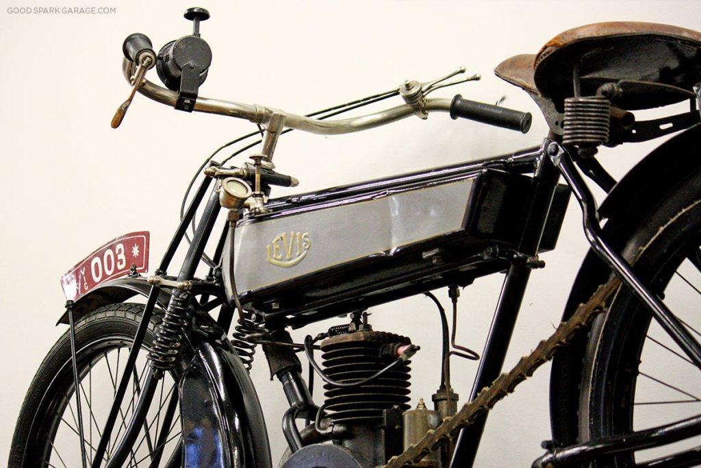 moto-museum-stlouis-levis-motorcycle