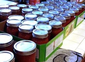 tomatoes many jars