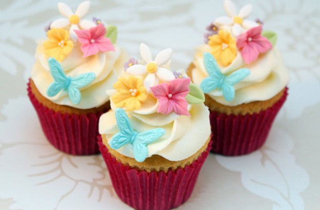 Mother S Day Floral Cupcakes Recipe Goodtoknow