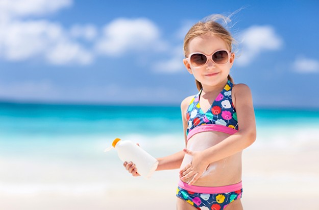 https://i0.wp.com/goodtoknow.media.ipcdigital.co.uk/111/00000fe65/bf8f_orh412w625/Kids-sunburn-child-beach-sun-cream.jpg