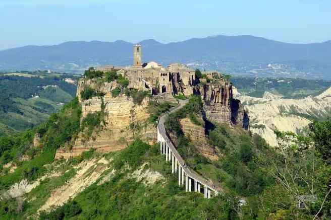 Tourism town on the edge of survival Civita di Bagnoregio. By evondue via Pixabay. https://pixabay.com/en/civita-di-bagnoregio-latium-2286541/