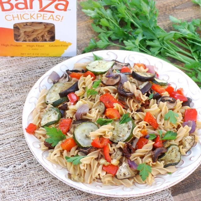 Roasted Veggies and Banza Chickpea Pasta