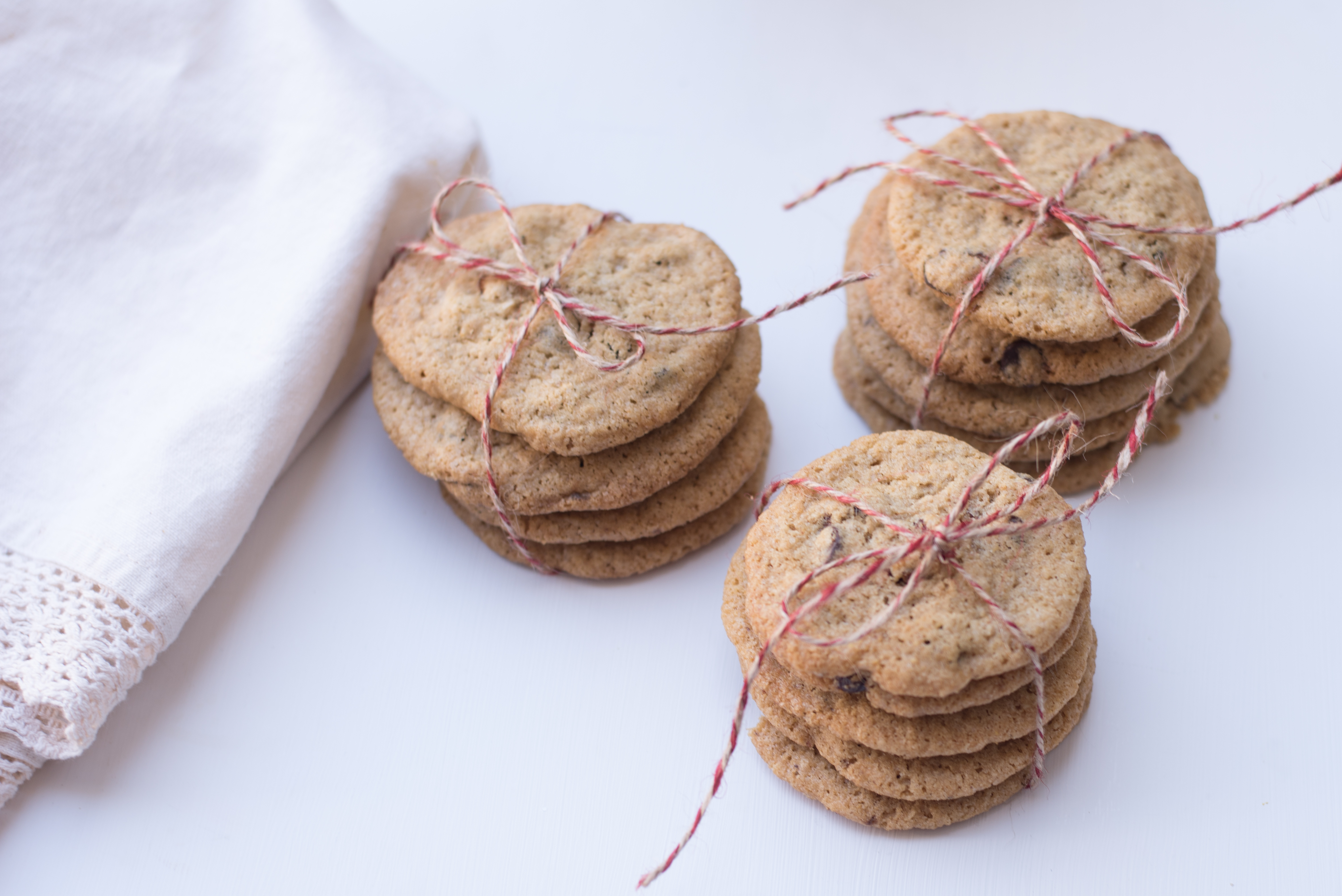 gluten-free-cranberry-chocolate-chip-cookies