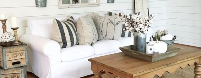 50 Adorable Farmhouse Living Room Furniture Design Ideas And Decor (38)