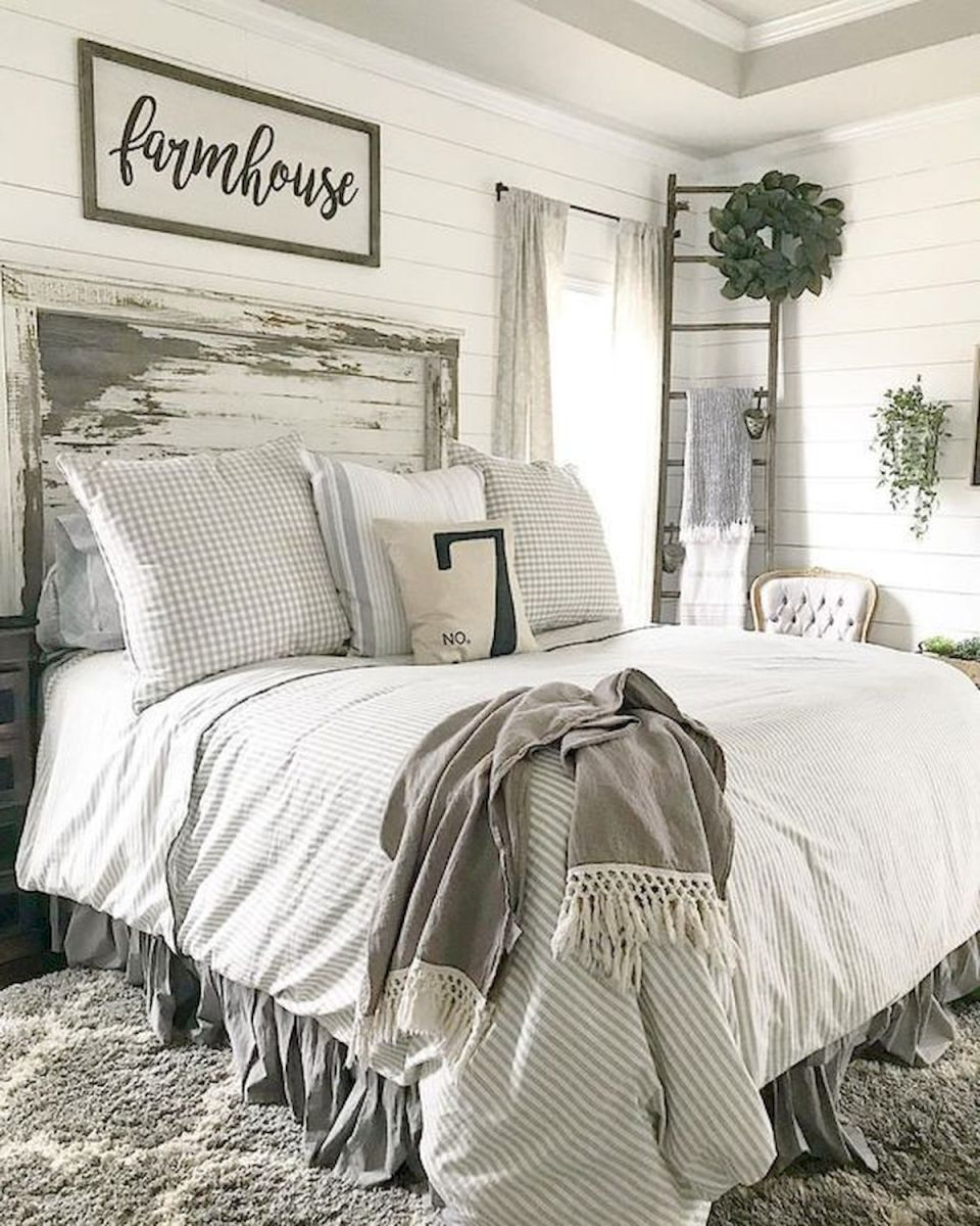 50 Awesome Farmhouse Bedroom Decor Ideas And Remodel (22)