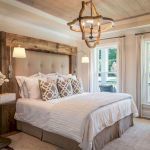 50 Awesome Farmhouse Bedroom Decor Ideas And Remodel (51)