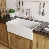 50 Beautiful Farmhouse Kitchen Sink Design Ideas And Decor (12)