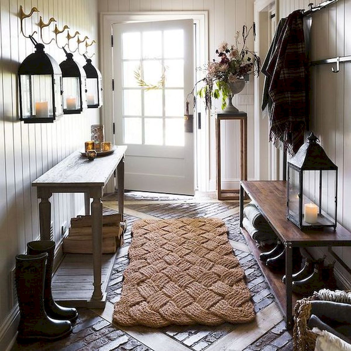 50 Best Farmhouse Entryway Design Ideas You Must Try In 2019 (12)