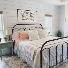 50 Modern Farmhouse Bedroom Decor Ideas Makes You Dream Beautiful In 2019 (1)