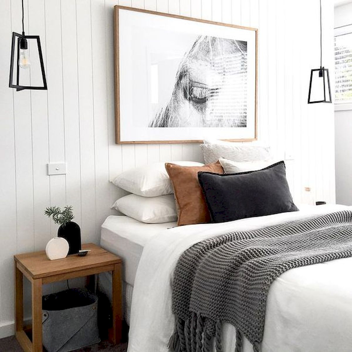 50 Modern Farmhouse Bedroom Decor Ideas Makes You Dream Beautiful In 2019 (31)