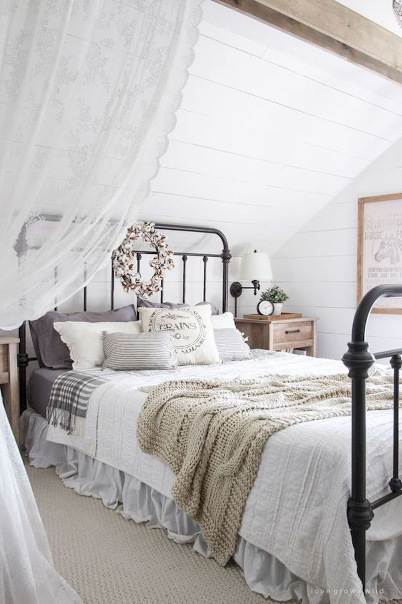 50 Modern Farmhouse Bedroom Decor Ideas Makes You Dream Beautiful In 2019 (38)
